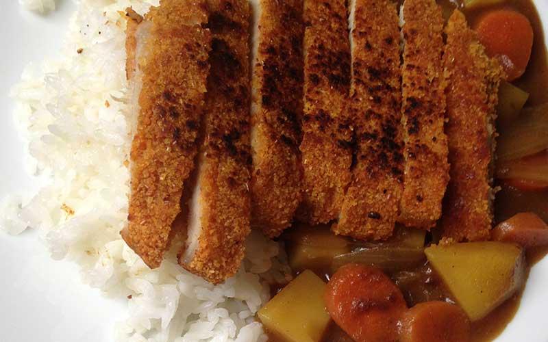 Curry rijst met schnitzel