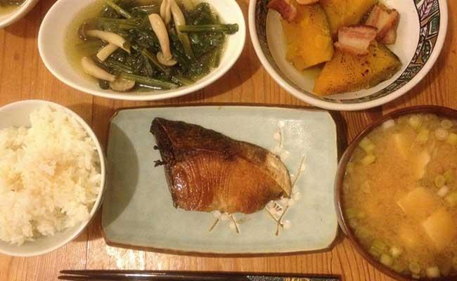 typische japanse maaltijd washoku