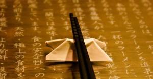 met-stokjes-eten-japans-1024x534