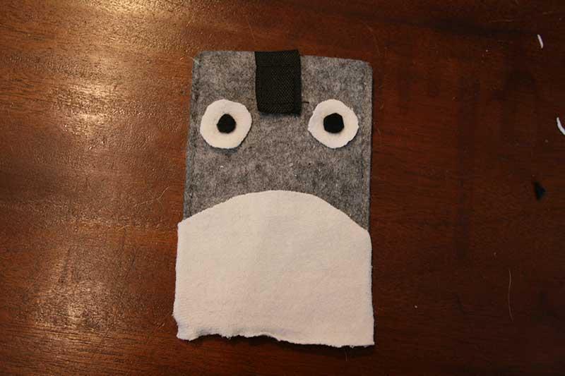Totoro-hoesje-buik-en-ogen